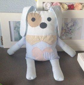 Tutorial, DIY, Passo à Passo Como Fazer um Travesseiro Naninha para Bebê. http://www.vivartesanato.com.br/2016/03/tutorial-diy-passo-a-passo-como-fazer-um-travesseiro-naninha-para-bebe.html