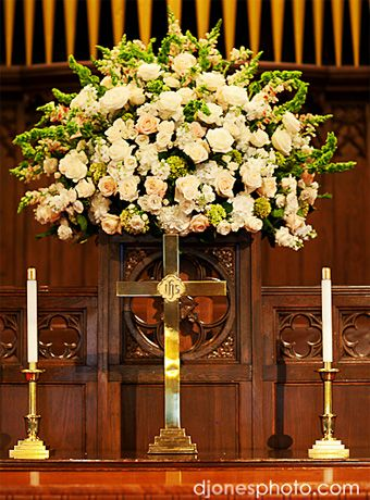 1016 best images about wedding flowers on pinterest white roses cascade and spray roses. Black Bedroom Furniture Sets. Home Design Ideas