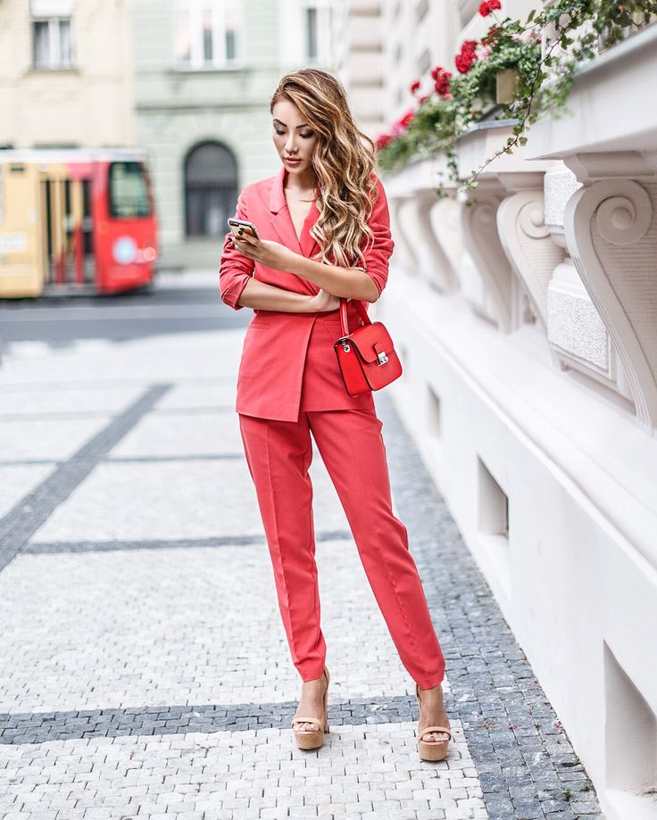 Pieces that Will Make You Look More Expensive - Red Pant Suit // Notjessfashion.com // Pant Suit for Women, Monochromatic Red Outfit, All Red Outfit, Red Outfit Street Style, New York Fashion Blogger, asian blogger, red blazer, red handbag, how to wear all red