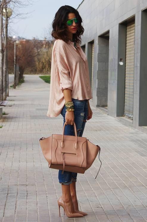 Tunique ample, sac à main et escarpins nude + pantacourt en jean ! Style juste parfait