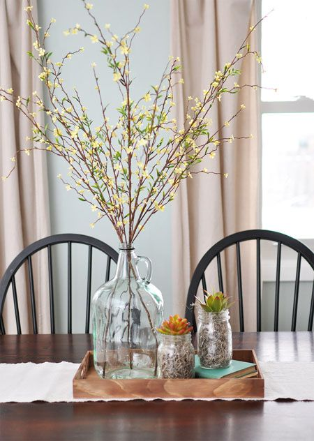 A Simple Neutral And Natural Centerpiece Dinning Table