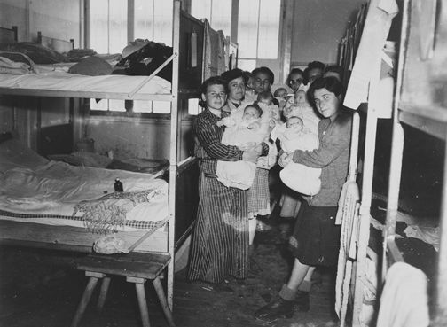 Pregnant women in concentration camps 10