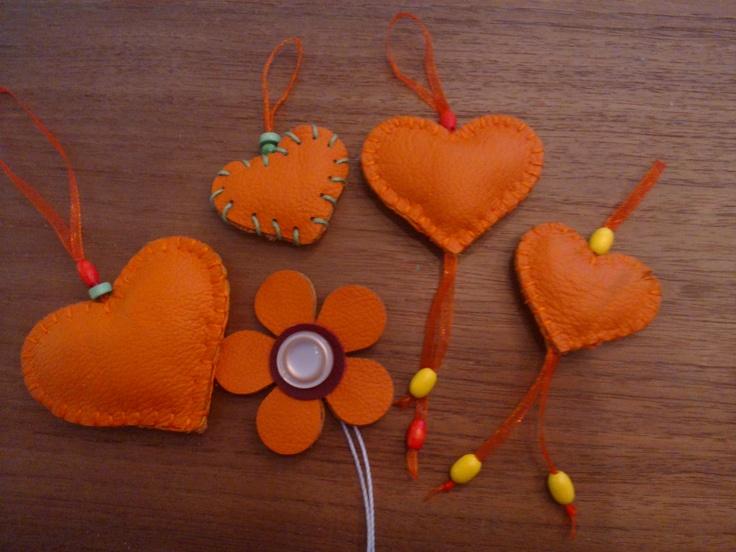 leren hartjes en bloem
