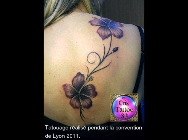 21 best images about tatoo on pinterest tattoos for women tulip and hibiscus - Tatouage peace and love ...