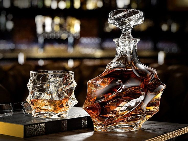 http://thegadgetflow.com/portfolio/everest-whiskey-decanter-set/