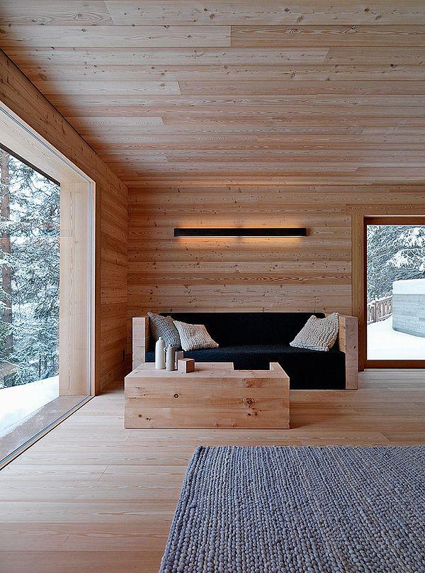 Cabin interior in Fanes-Sennes-Braies, Italy / EM2