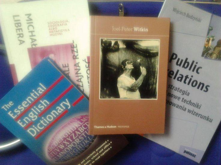 """""""On the roads - biblioteczka na kółkach"""" pani Roksany Łosin. Na walizkach od ponad roku."""