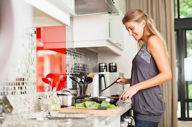 Alcuni alimenti sono in grado di attivare il naturale metabolismo del corpo, inducendolo a bruciare più grassi. Basta conoscerli, per apprendere nuove abitudini alimentari più sane