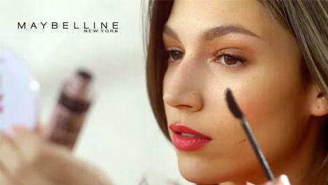 Haz como Úrsula Corberó y #causasensacion con el nuevo Lash Sensational de Maybelline