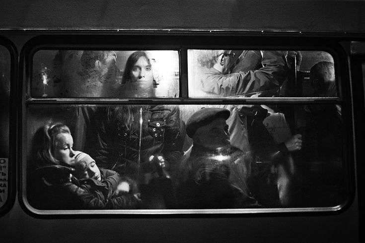 """Выставка по итогам конкурса """"Уличная фотография"""""""
