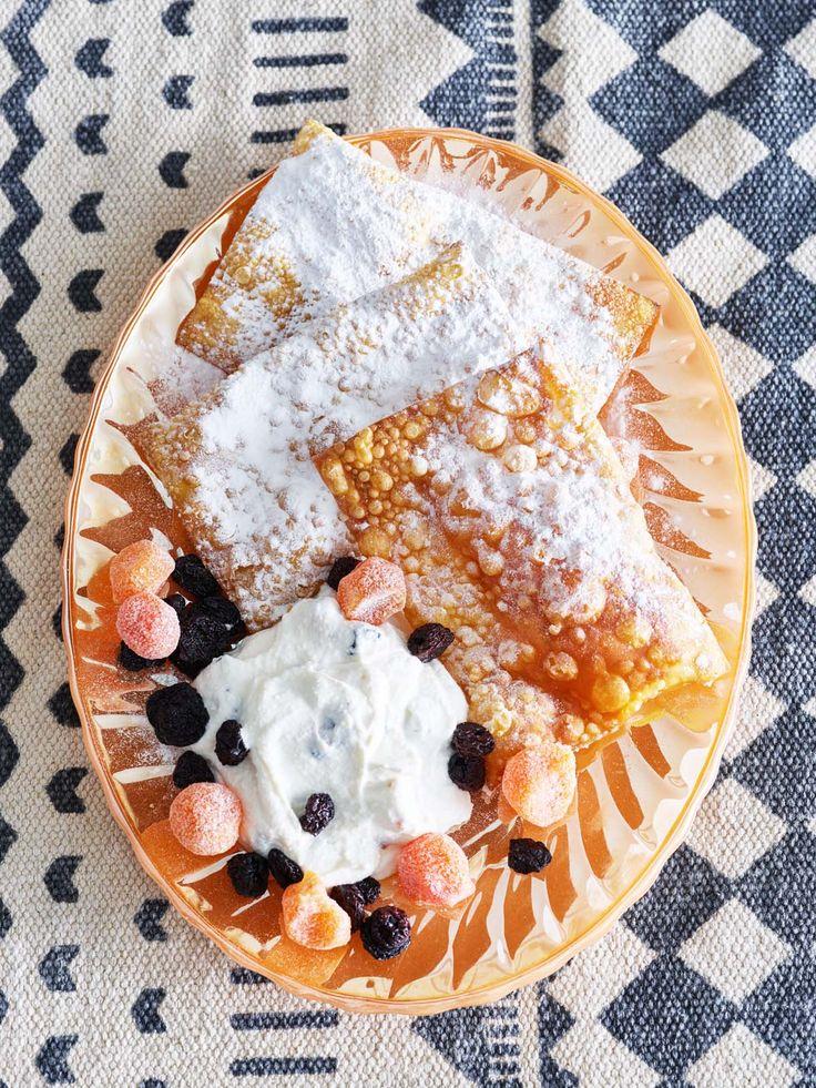Canolli met ricotta-honingroom en gekonfijt fruit