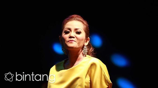Posting Foto Tempat Pernikahan Kristina Disangka Netizen Menikah - Bintang.com