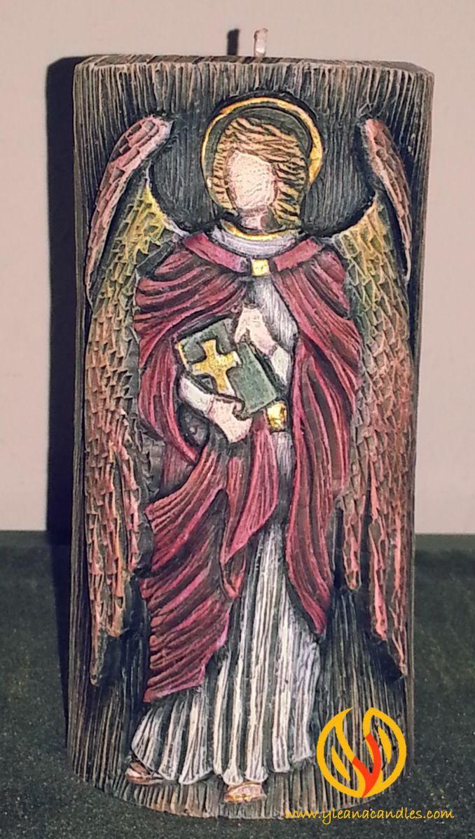 Arcangel Uriel, vela tallada a mano por @yleanacandles