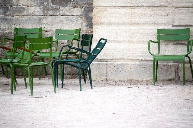 green metal chairs: Wall Art, Tuileri Gardens, Color, Green Wall, Paris Photography, Art Prints, Gardens Chairs, Green Chairs, Paris Decoration