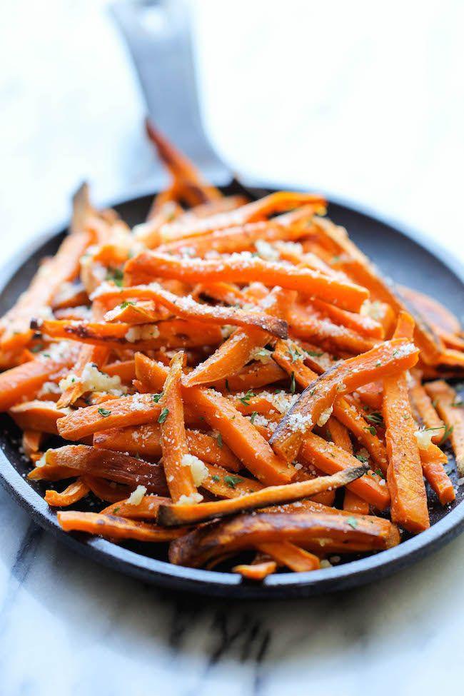 Baked Garlic Sweet Potato Fries by damndelicious #Fries #Sweet_Potato #Garlic #Healthy