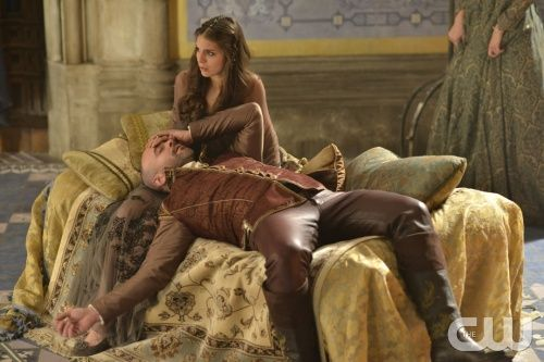 """Reign -- """"Liege Lord"""" -- Image Number: RE117b_0057.jpg -- Pictured (L-R): Alan Van Sprang as King Henry and Caitlin Stasey as Kenna -- Photo: Sven Frenzel/The CW -- © 2014 The CW Network, LLC. All rights reserved."""