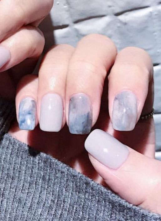 70+ Grey Nail Art For This Winter Ideas 16