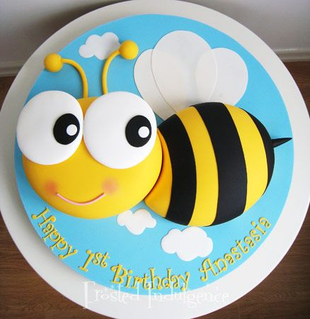 Cute Bumble Bee Cake Cakes Pinterest