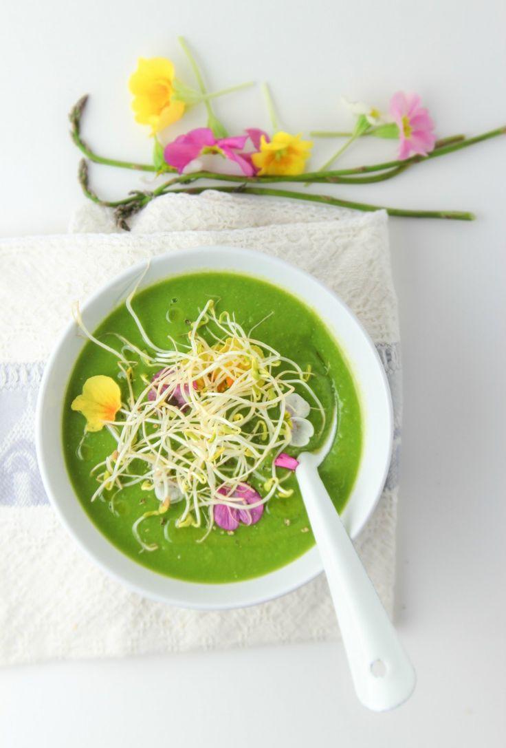 Zuppa di asparagi e piselli