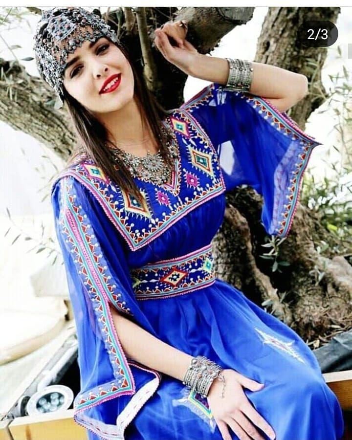 اللباس القبائلي اللباس الامازيغي الجزائري اللباس الجزائري اللباس التقليدي الجزائري الحلي الام Muslimah Fashion Outfits Afghan Dresses Traditional Dresses