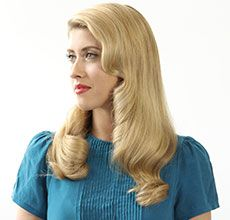 How-To Get Veronica Lake Hair with Sarah Potempa and the Beachwaver www.lifestylemirror.com