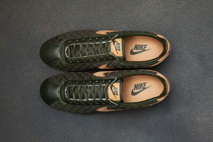 I stop wearing Nike Cortez awhile ago but damn...Image of Nike Cortez Nylon PRM QS