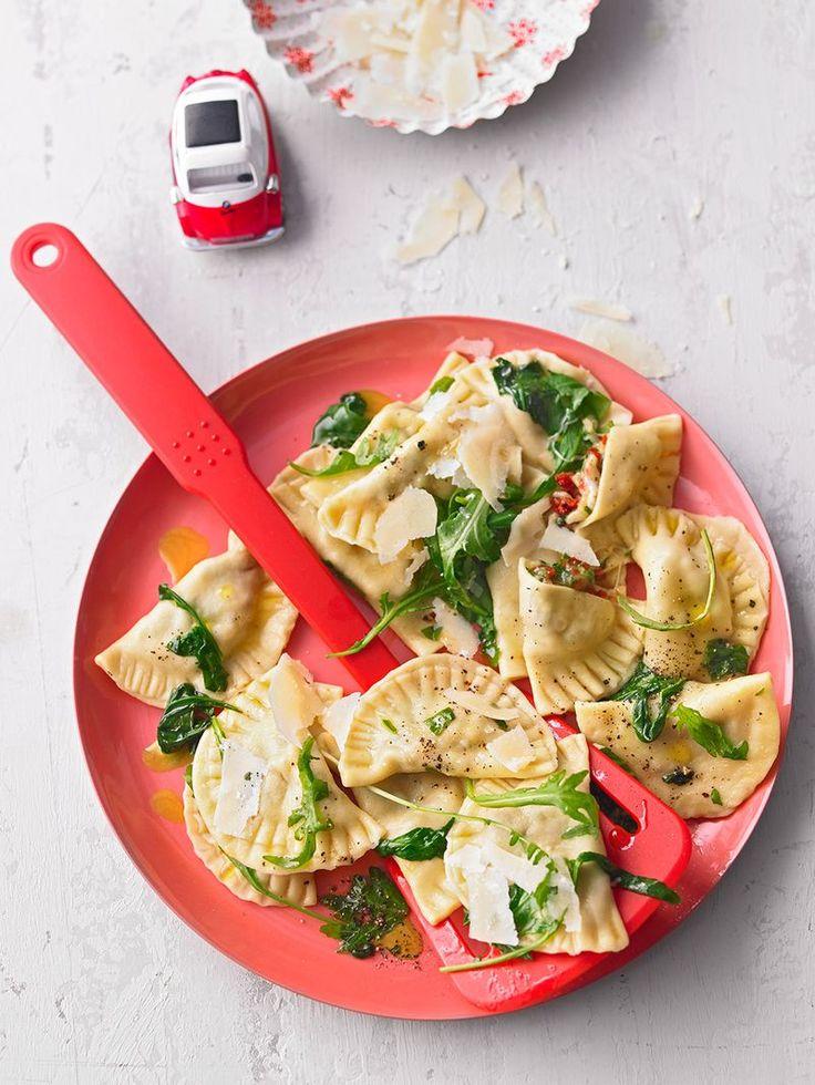 Ravioli, gefüllt mit Mozzarella, getrockneten Tomaten und Rucola (Rezept mit Bild)   Chefkoch.de