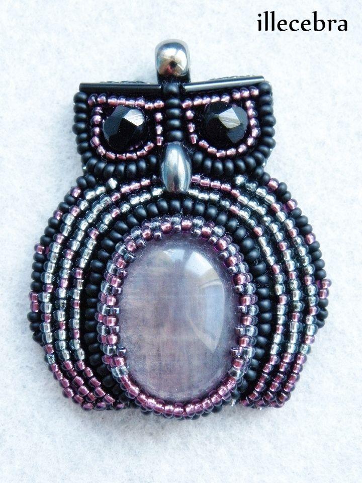 Her name is Kira.  #beadwork #beadembroidery #illecebra #owl