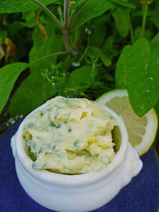 Salbei-Limetten-Butter, ein schönes Rezept aus der Kategorie Vegetarisch. Bewertungen: 10. Durchschnitt: Ø 4,2.