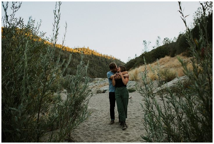 What to wear - Engagement shoot  Image: Amy Higg Photography