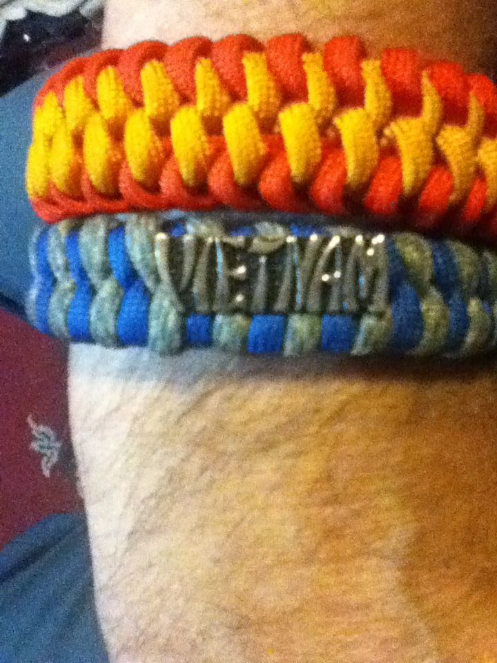 Another Paracord Bracelet Design that I added the Vietnam Pin.