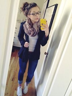 megan-hansenn:  Outfit turned out ish cute today