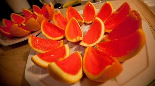 Detras de la barra del bar...: Shots de gelatina con naranjas y ron