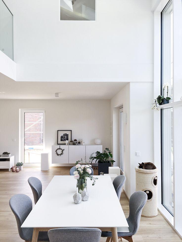 Leuchtendesigner und DIY-Experten, Sammler und Vintage-Händler, Gärtner und Tagträumer: Heute finden wir in den 10 neuen Wohnungseinblicken viele kreative Interior-Liebhaber!