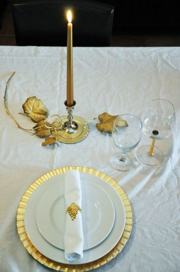 greek table settings | ... de Bernieres and Have Greek Themed Book Club Party | ButteryBooks.com