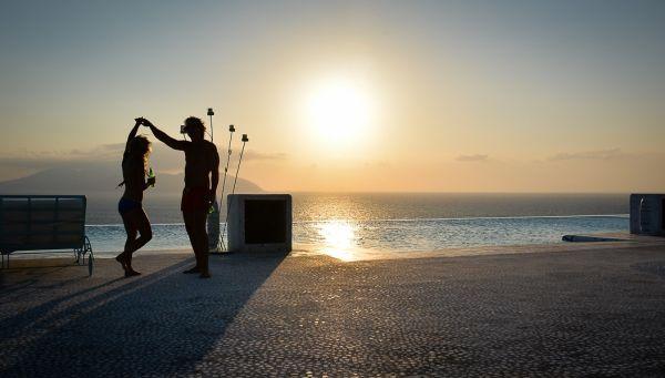 Let's dance, honey...