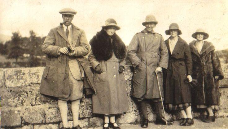 Murray Bisset ( centre ) w. Betty & Helen Bisset, & Jervis Molteno, Loch Rannoch, 1923