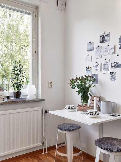 die besten 17 ideen zu kleiner esstisch auf pinterest blaue wandfarbe industrie stil tisch. Black Bedroom Furniture Sets. Home Design Ideas