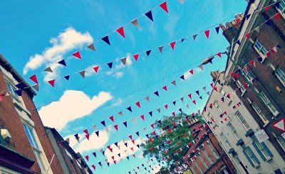 Falling in love with Ashbourne - featuring the nicest cafe and bottleshop I've been to!