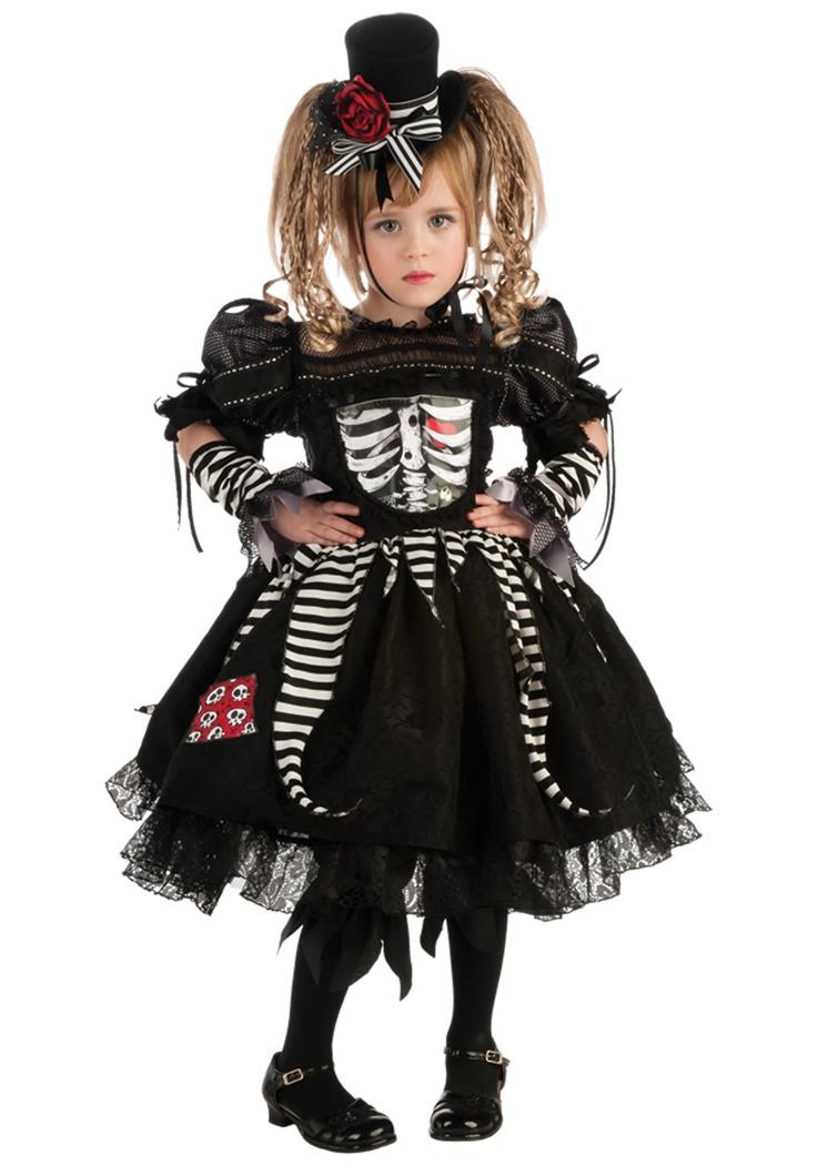 STILO GOTHICO  de niñita  , los tiempos cambian y la moda tambie