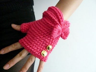 fingerless gloves. Need to make some of these for my mama when she is at work ♡