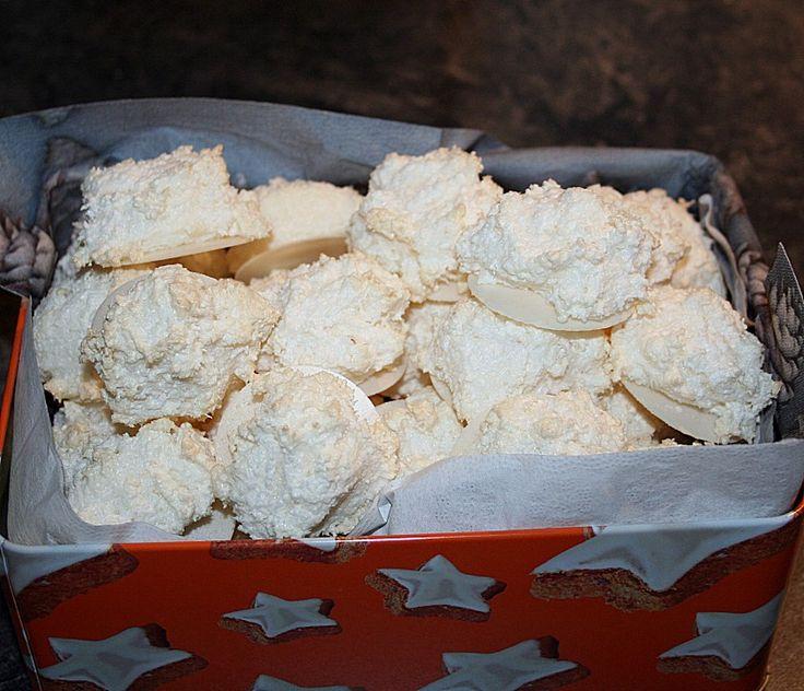 Kokosbusserln, die einzigen echten (siehe Text), ein raffiniertes Rezept aus der Kategorie Kekse & Plätzchen. Bewertungen: 107. Durchschnitt: Ø 4,5.