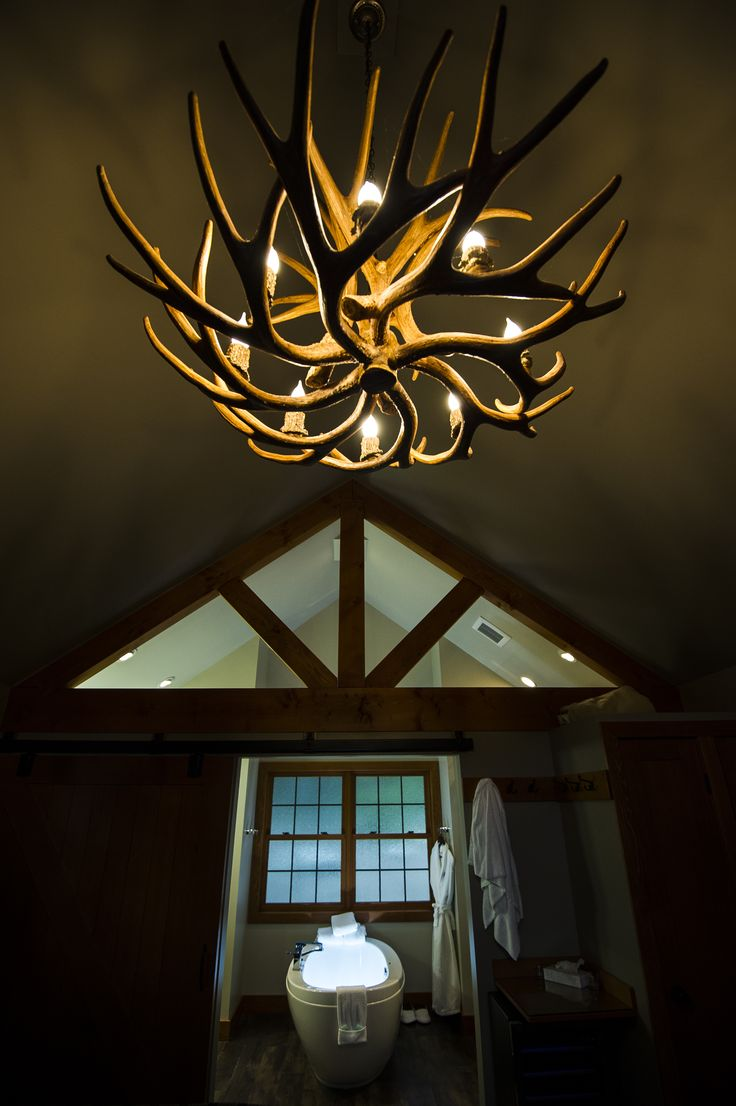 Elegant accent chandeliers.  Bruno Long Photography