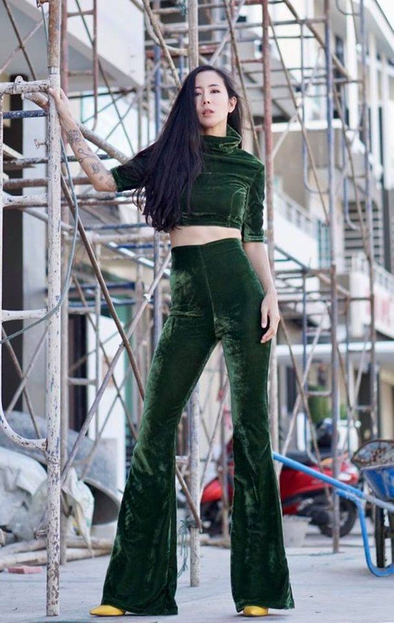 e0d8f538e2a Dark Green Velvet Chic 2 pieces High Waist Flared Bell Bottom Pants with  Matching 3 4 sleeve Short Sleeve Mock Turtleneck Monochrome Outfit