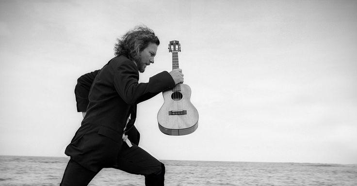 Eddie Vedder, bekend als frontman van Pearl Jam, speelt in mei en juni een reeks concerten in Europa. Op maandag 19 juni houdt hij halt in de Lotto Arena. De ticketverkoop start op vrijdag 10 maart om 10 uur.    #eddievedder #pearljam #concert #muziek #music #live #livemusic #sportpaleis #antwerpen #antwerp #tickets #teleticketservice #tts #koopveilig    https://www.teleticketservice.com/tickets/2016-2017/eddie-vedder/20170619-1830