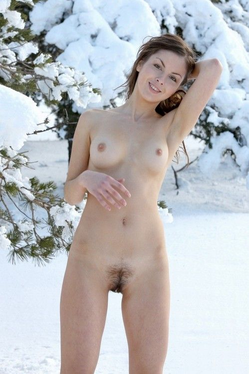 Similar situation. Nude girl in the snow opinion