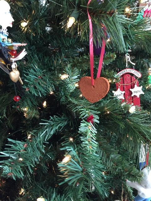 Homemade Cinnamon Applesauce Ornaments @nancyshomefront : Featured Post on Turn it up Tuesdays