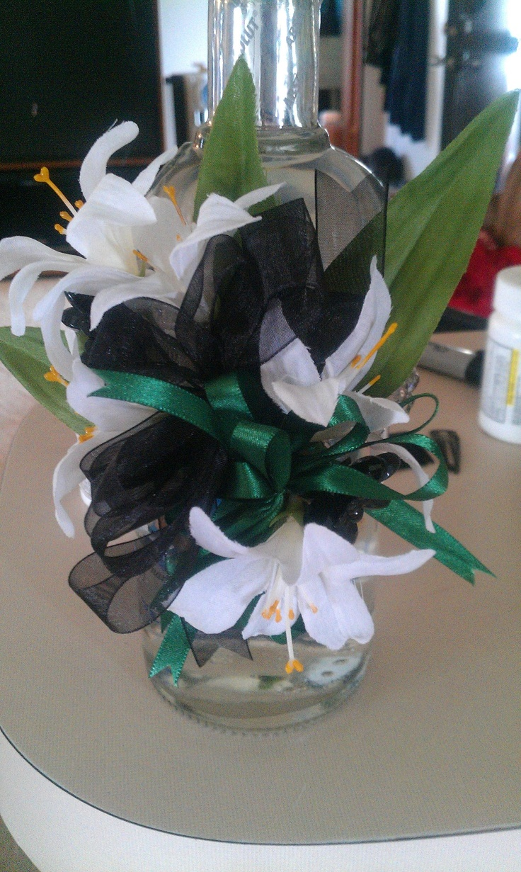 Emerald Green And Black Prom Corsage Dresses Pinterest