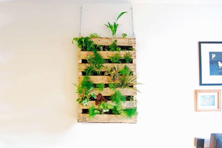 È l'anno degli orti verticali. Ultra tecnologici o in materiali riciclati ce n'è per tutti i gusti