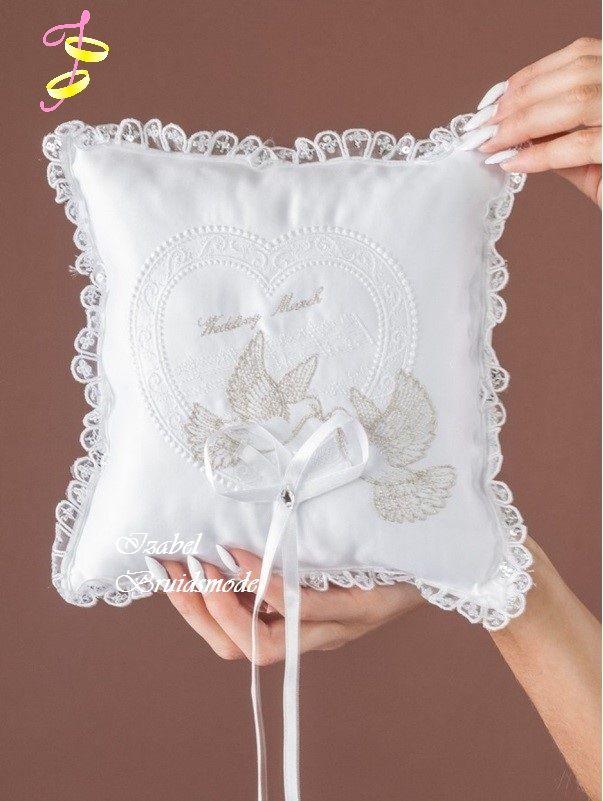 Ringkussen met geluk duiven/Wedding rings pillow with luck birds